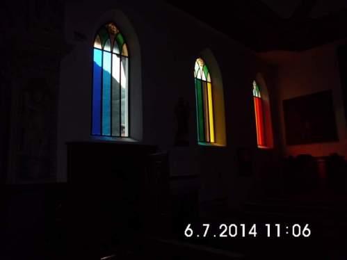 Kirchenfenster im Tessin